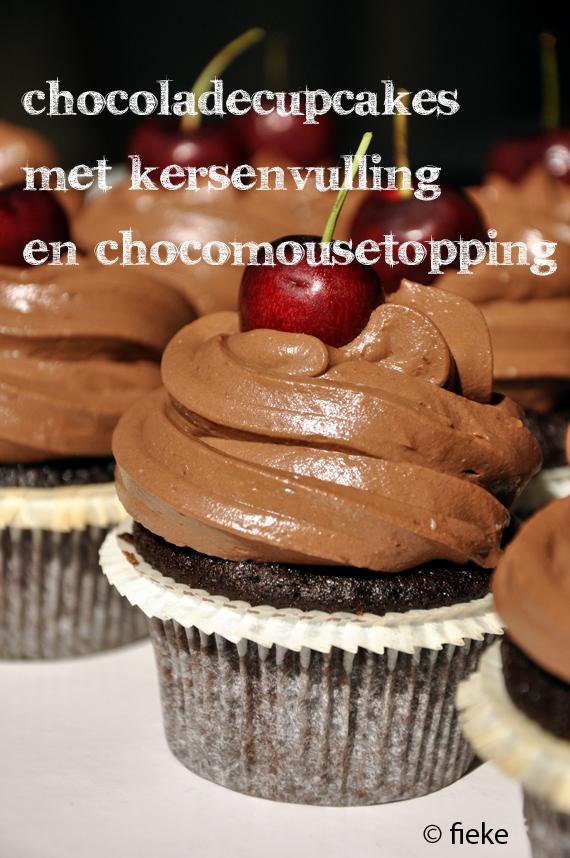 74 Kersen-chocoladecupcakes - met tekst)