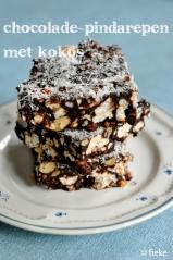 97 Chocolade-pindarepen met kokos - met tekst